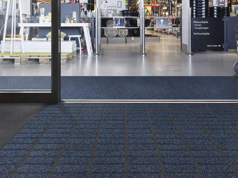 Retail matting